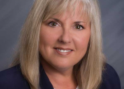 Teresa Schab joins Independent Bank's mortgage team in Cedar Springs