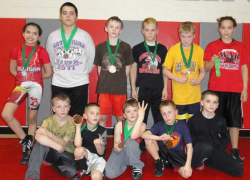 Youth wrestlers qualify for state