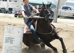 Teen places at national barrel horse races