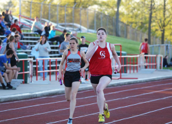 Weiler sets new record in 3200m run