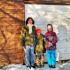Kids help woman trapped in shed