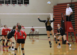 Volleyball teams suffers losses to Northview, Lowell
