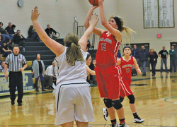 Lady Red Hawk basketball wins five straight