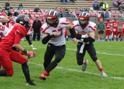 Cedar Springs runs Lowell out of first place