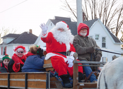 Families enjoy holiday event