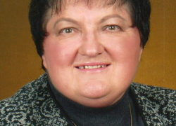 ANNA L. RUSSELL