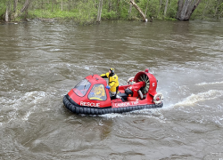 Child rescued from Rogue River
