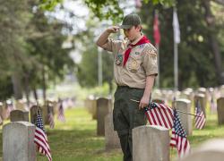 Michigan Veteran Homes volunteers plant 5,000 flags to honor fallen heroes