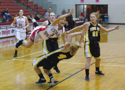 Lady Red Hawks earn sixth straight win