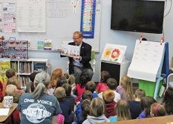 Sen. MacGregor reads to CTA students