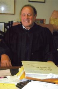 N-Judge-Servas