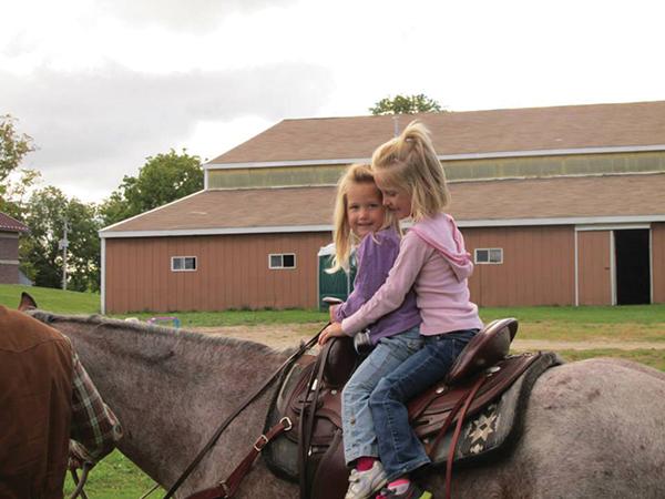 _N-Horseback-riding2