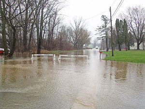 Fifth Street was flooded from Cherry St. to just north of C.S. Manufacturing. Photo by J. Reed