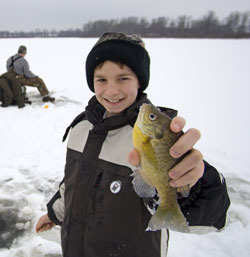 *OUT-Weekly Fishing tip youth-ice-fishing-2014_original