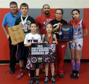 S-Youth-wrestle-for-national-teams-web