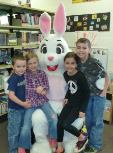 N-Easter-bunny-at-library1-web