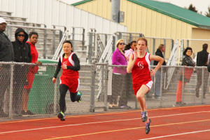 Tara Tepin and Catherine Chen in the 100 meter dash at Northview.