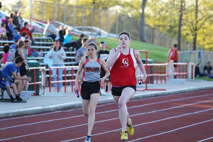 Aly Hamilton in the 800 meter relay.