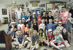 N-4th-graders-visit-museum2-web