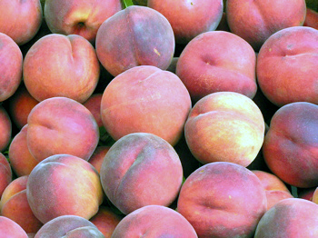 BLOOM-fresh-market-peaches