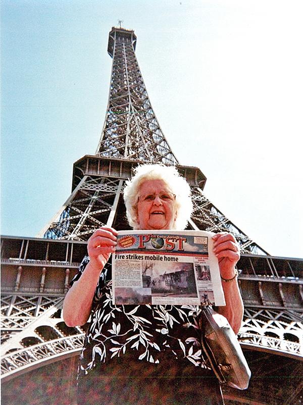 N-Post-goes-to-Paris
