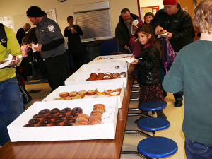 CSPS-Donuts-with-Dad-Yumm