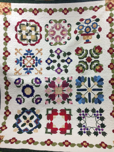 Winner of this quilt was Dena Wever.