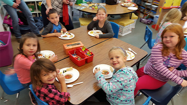 CTA kindergarten and first grade students shared their Friendsgiving meal.