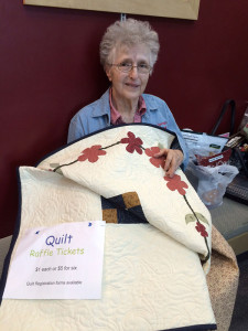 Sheryl Fleser won the quilt raffle