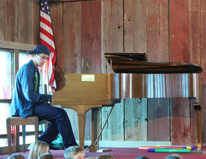 Sophomore Johnathon LeTourneau performed a piano solo.