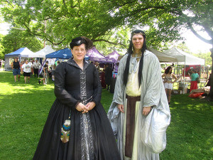 _N-Ren-Faire2-Elf-and-Victorian-lady