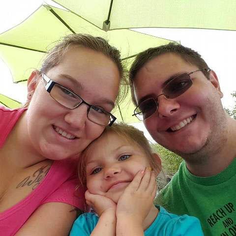 N-Blood-donors-Grace-Brunett-Family-Outdoors