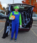 hal-trunk-or-treat-luigi