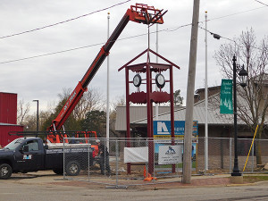 A new clock tower was installed this week on the northwest corner of Main and W. Maple St. Post photo by J. Reed.