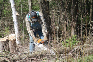 Community members helped clean up on Earth Day. Photo by Kathy Ensley.