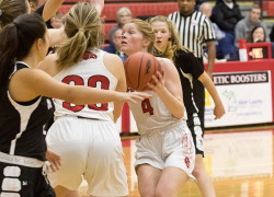 Lady Red Hawk use balanced attack to defeat Newaygo