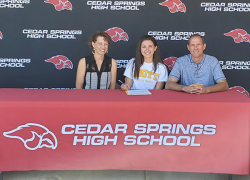 Pavelka signs to play volleyball at Mott