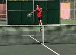 Red Hawk tennis takes third at tournament
