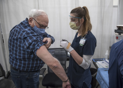 Large-scale vaccine site launched in Grand Rapids